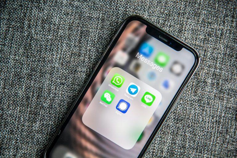 WhatsApp testuje wyszukiwanie firm