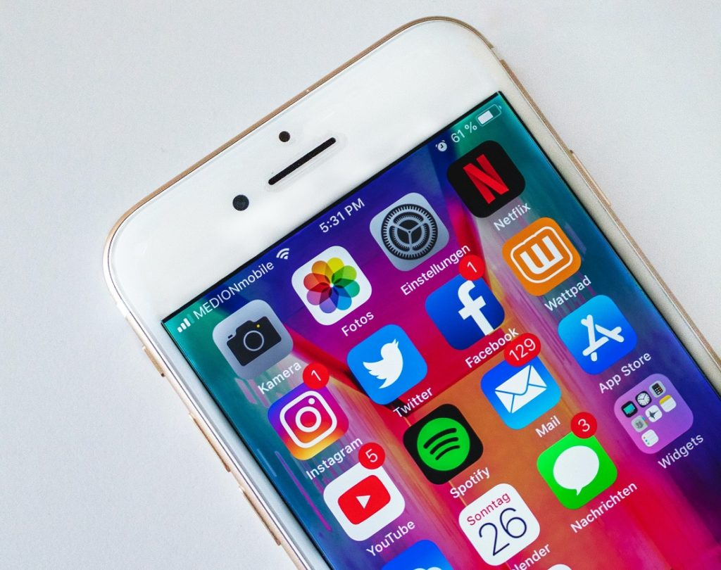 Social media wpracy wmediach
